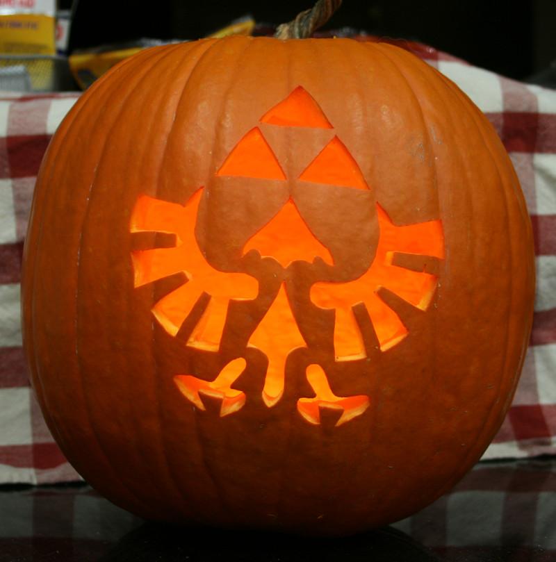 Triforce Pumpkin Stencil Triforce Pumpkin Lit Up by Johwee On Deviantart